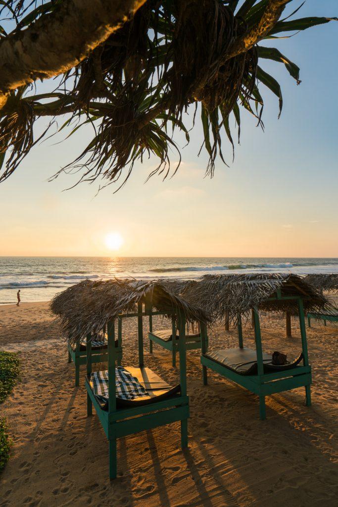 Around Hikkaduwa: At Ease Beach Hotel * Hikkaduwa