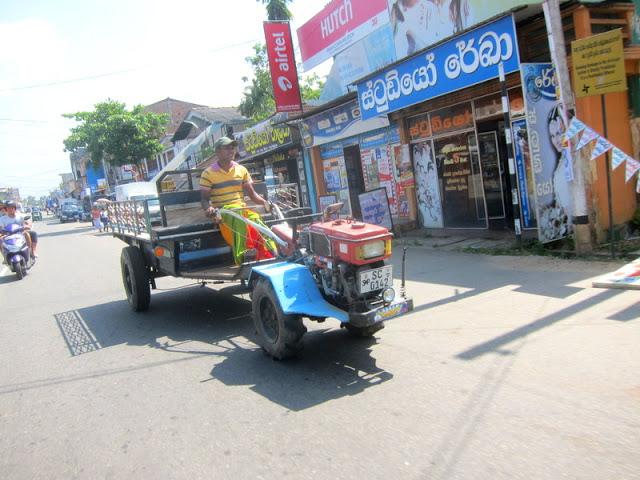 Guide til Hikkaduwa traktor trafikk