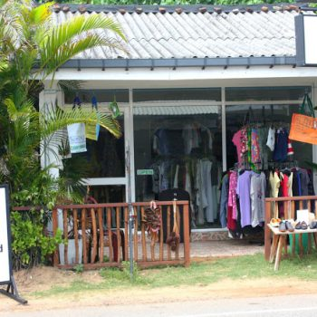 New Use gjenbruksbutikk i Hikkaduwa Sri Lanka