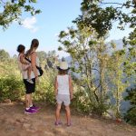 Little Adams Peak kan fint besøkes med barn. Det er en lett tur på maksimalt to timer opp og ned.