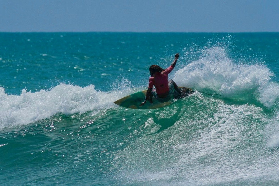 Supun Surfing surf lesson HIkkaduwa