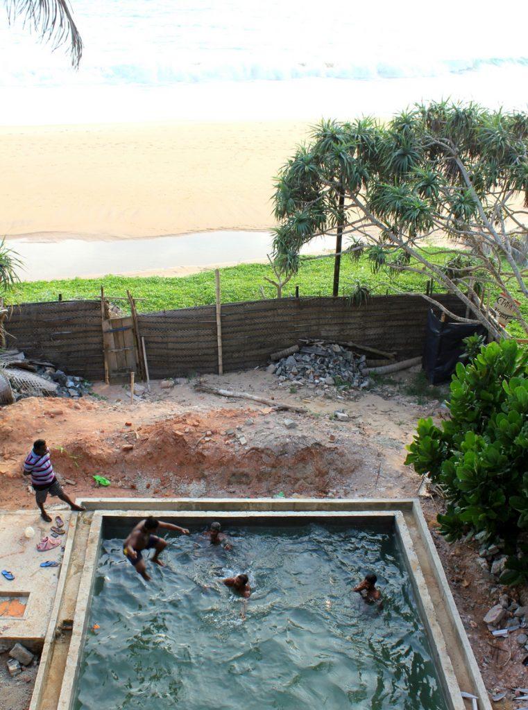 Bygge hotell på Sri Lanka svømmebasseng