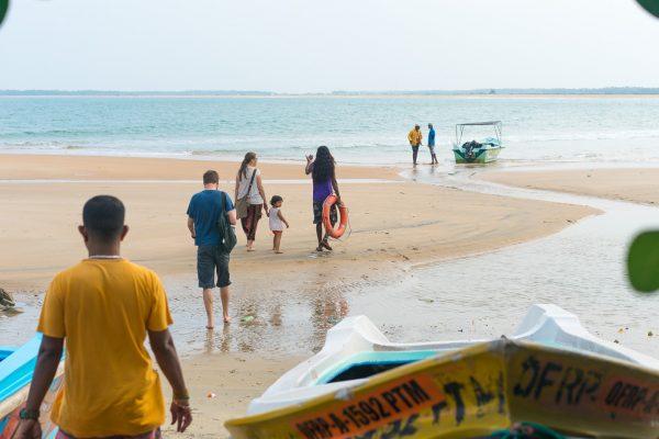 Kalpitiya er en halvøy 140 km nord for Colombo på Sri Lanka